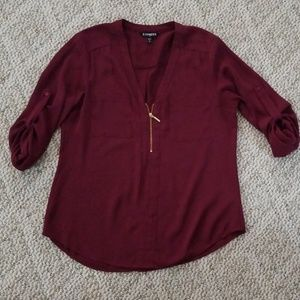Express wine colored top medium